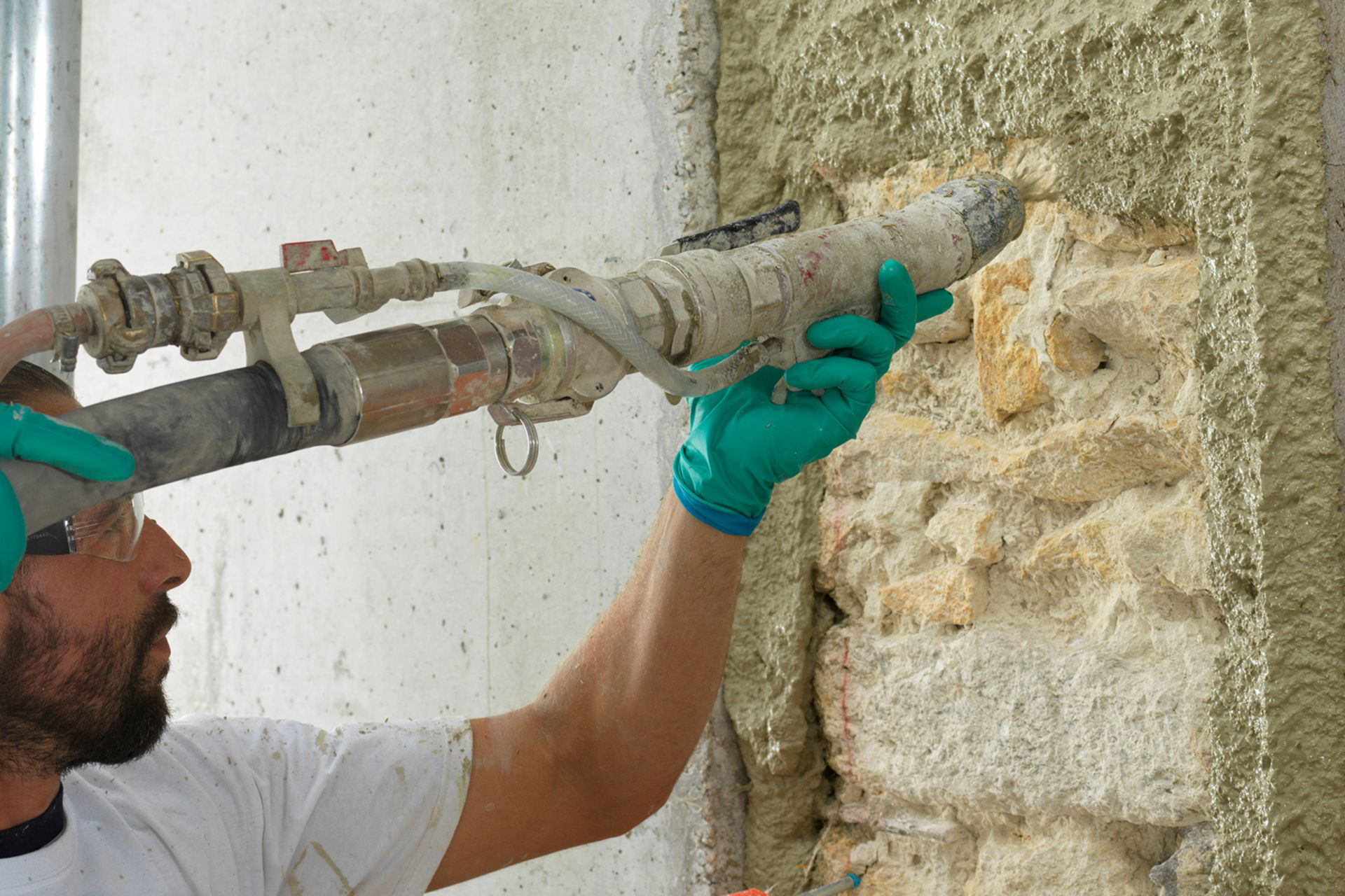 Parnatur® is easy to apply with a standard spraying machine